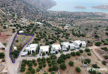 Crete, Agios Nikolaos, Xaugas, Plot (8)