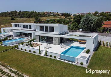 Villa Pallini 200sq.m