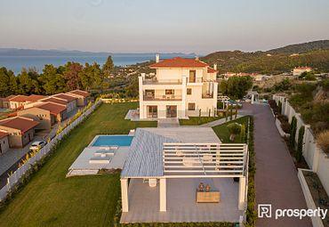 Villa Pallini 451.6sq.m